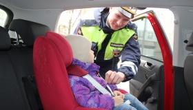 Где самое безопасное место для ребенка в авто?