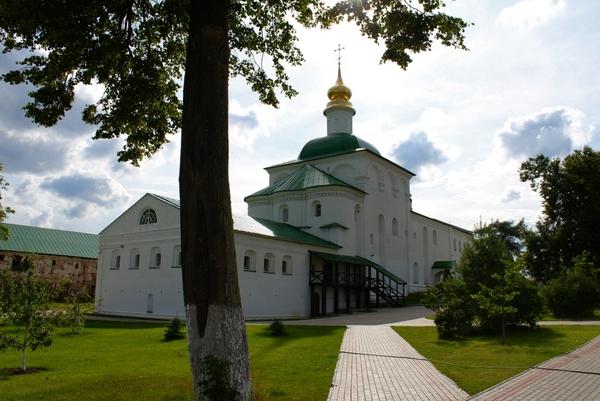 Монастырь во Фролищах