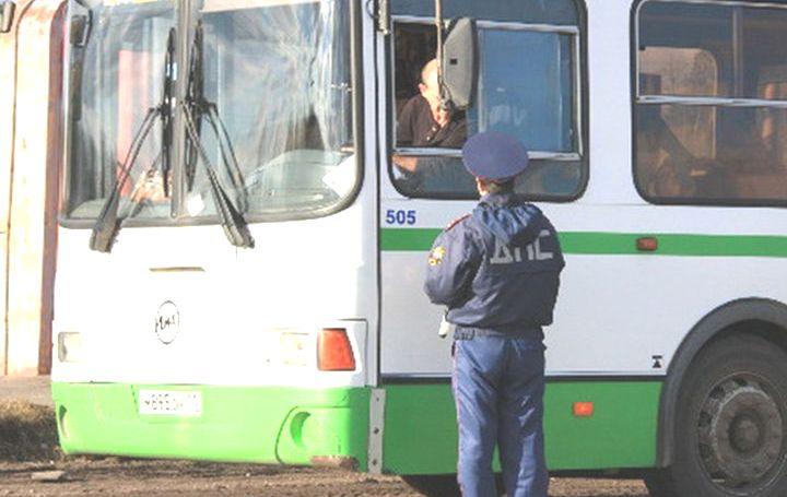 Уголовное дело возбудили против нижегородского водителя, перевозившего пассажиров нанеисправном автобусе