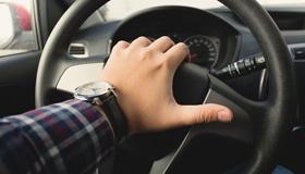 Кому водители сигналят чаще всего?
